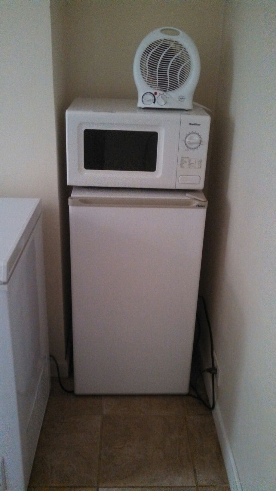 Dorm fridge and microwave available for longer stays and by request (extra charge for use).