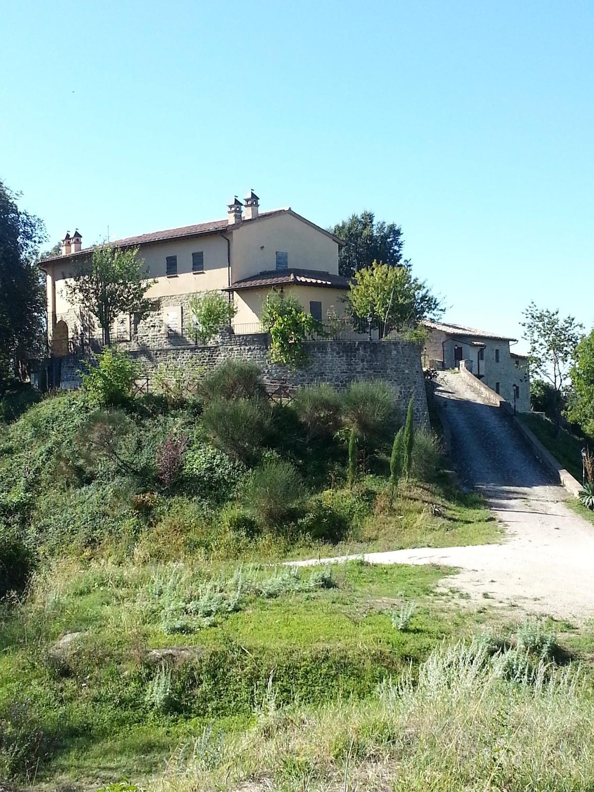 """Country house """"Il Borgo Fiorito"""""""