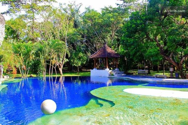 Villa Zoo (Animals, pool, central)