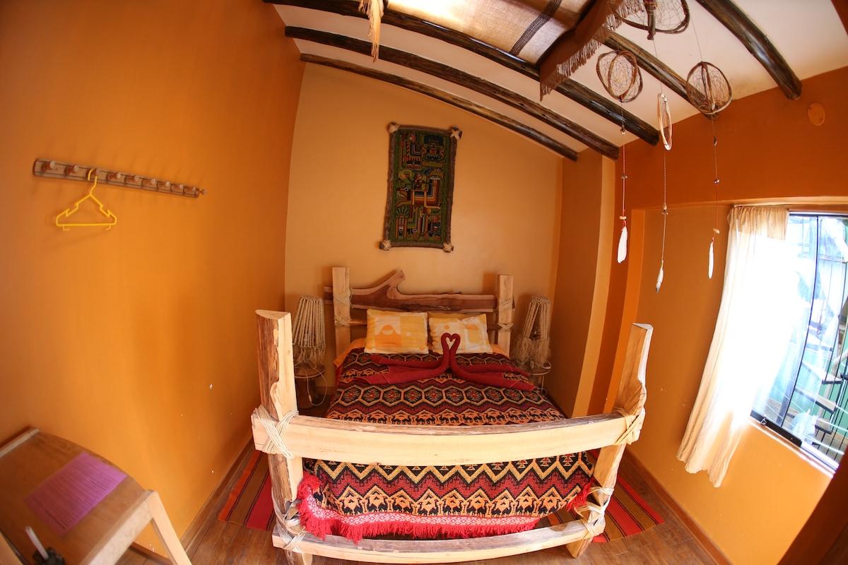la habitación matrimonial con baño privado