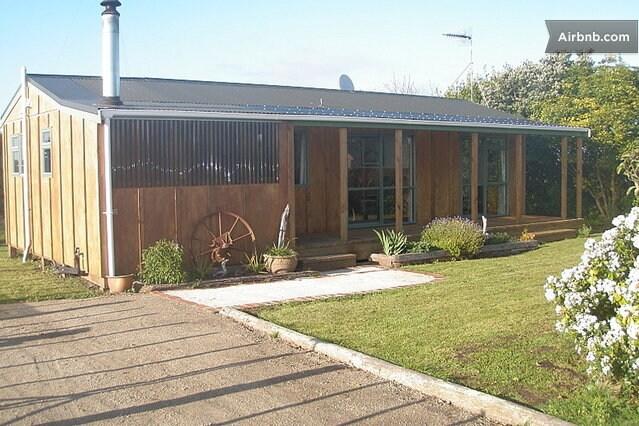 Rapanui Cottage