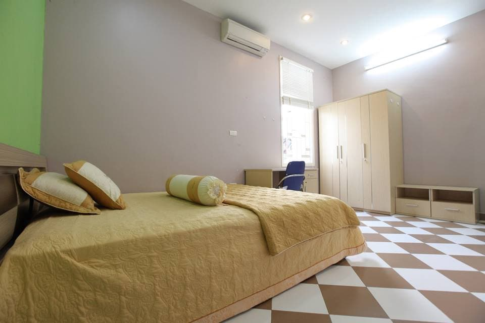 Long term rental room in West Lake
