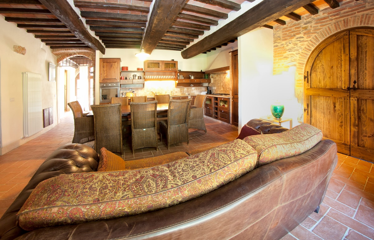 Stone Farmhouse with Pool 2 - Italy
