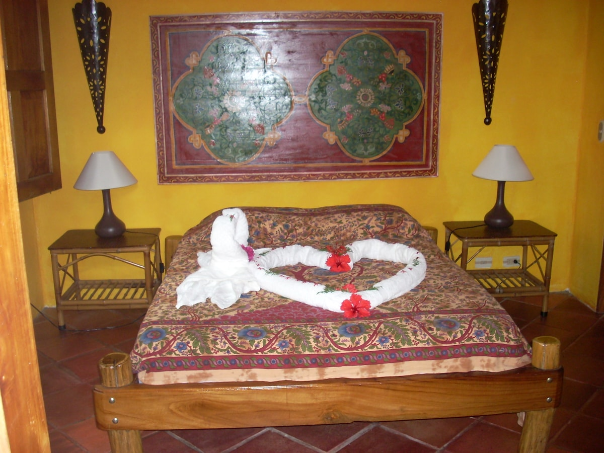 LA PALAPA - ROMANTIC BEDROOM