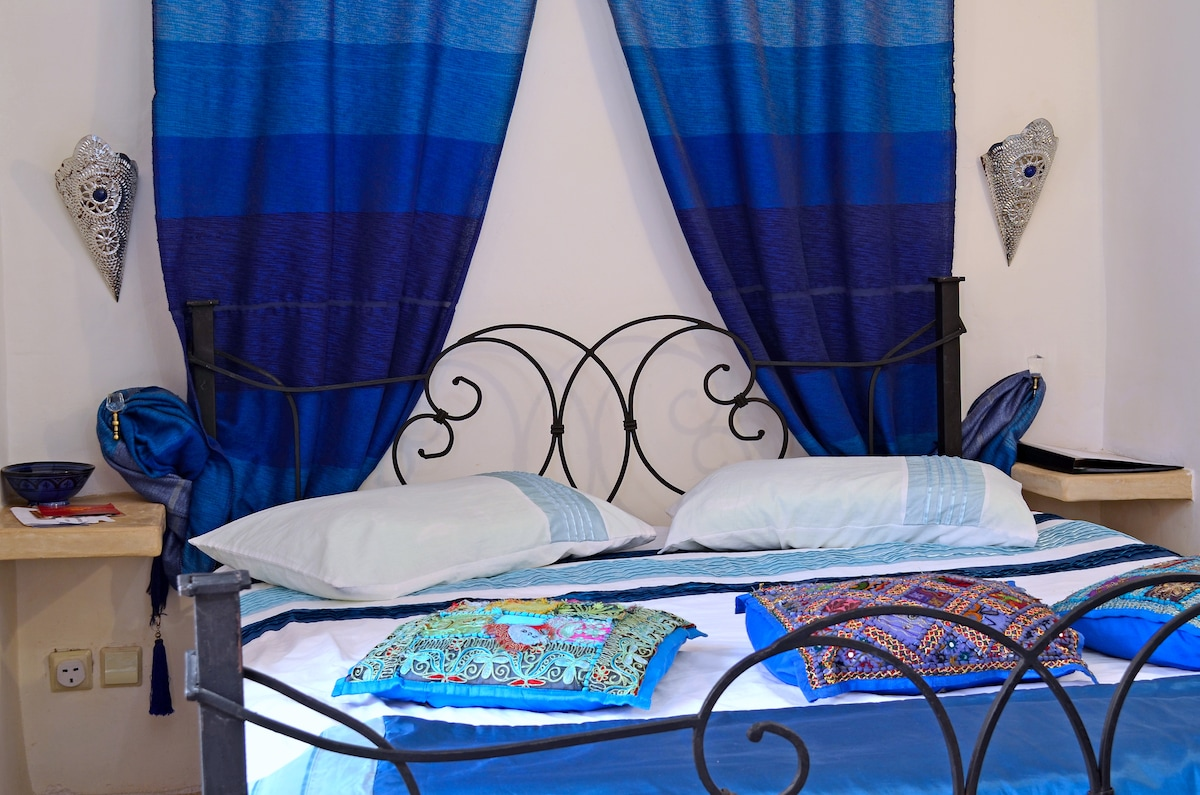 Our stylish First floor Blue Double / Twin bedroom with en suite tadalect bathroom