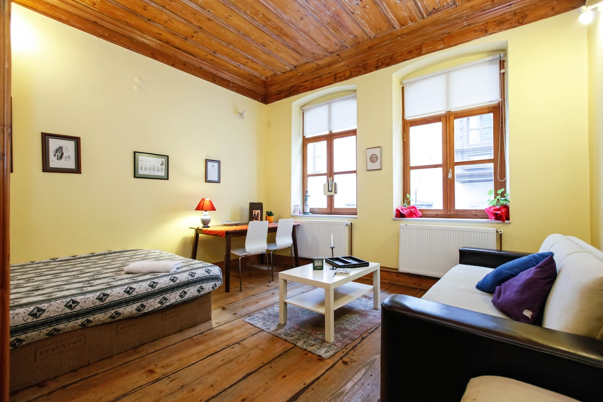 First Room: big windows, 1 double bed (150*200 cm sizes) and a big drop down couch