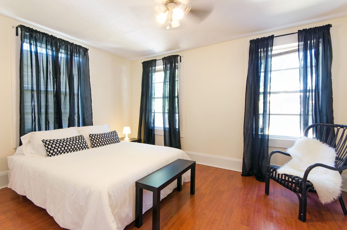 Quiet and Spacious Ybor City room