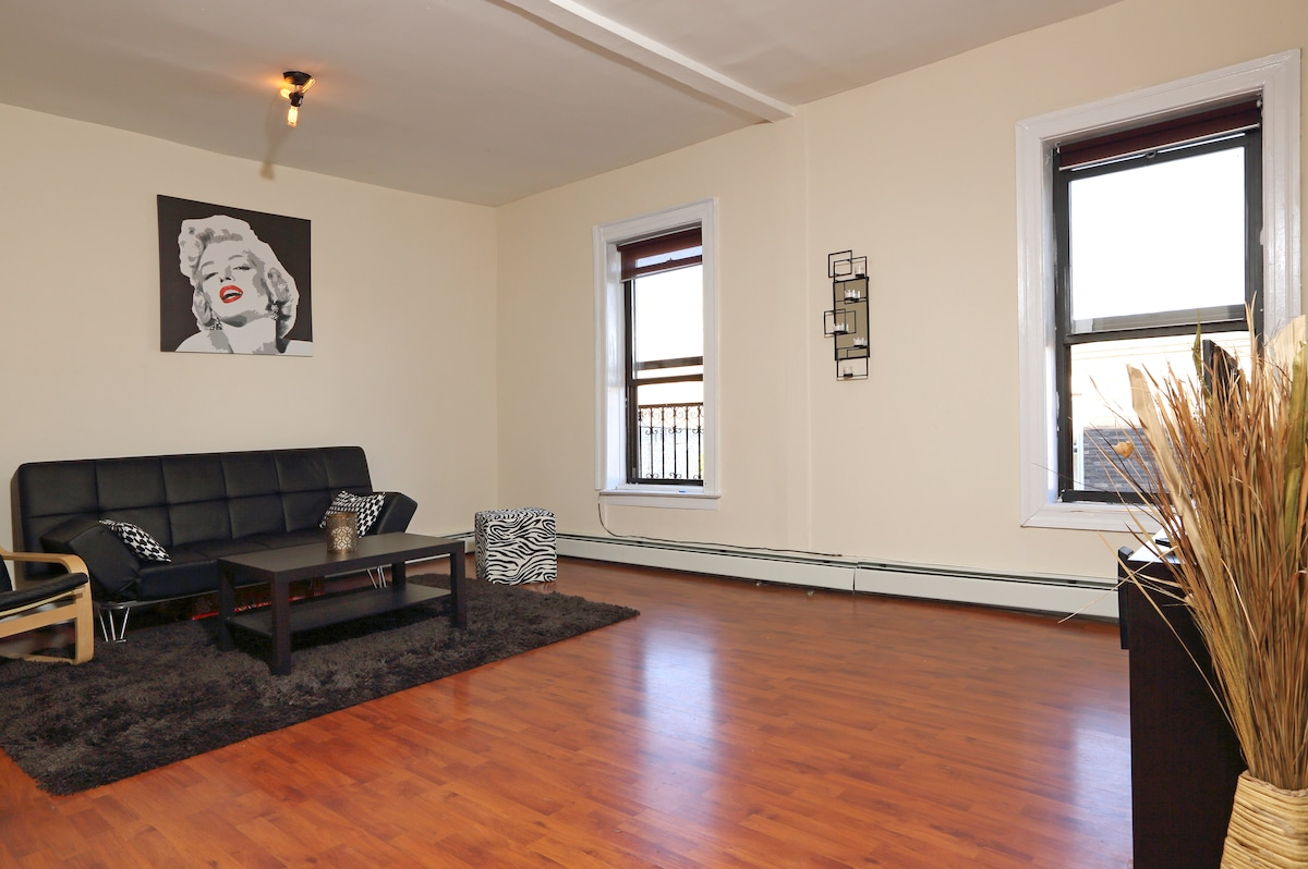 Spacious room in Brooklyn!