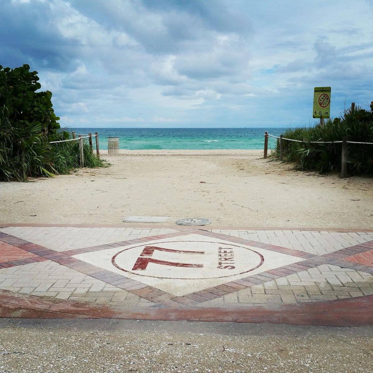 77th street beach.  A block from the apartment!  That's a running trail that runs along the beach.