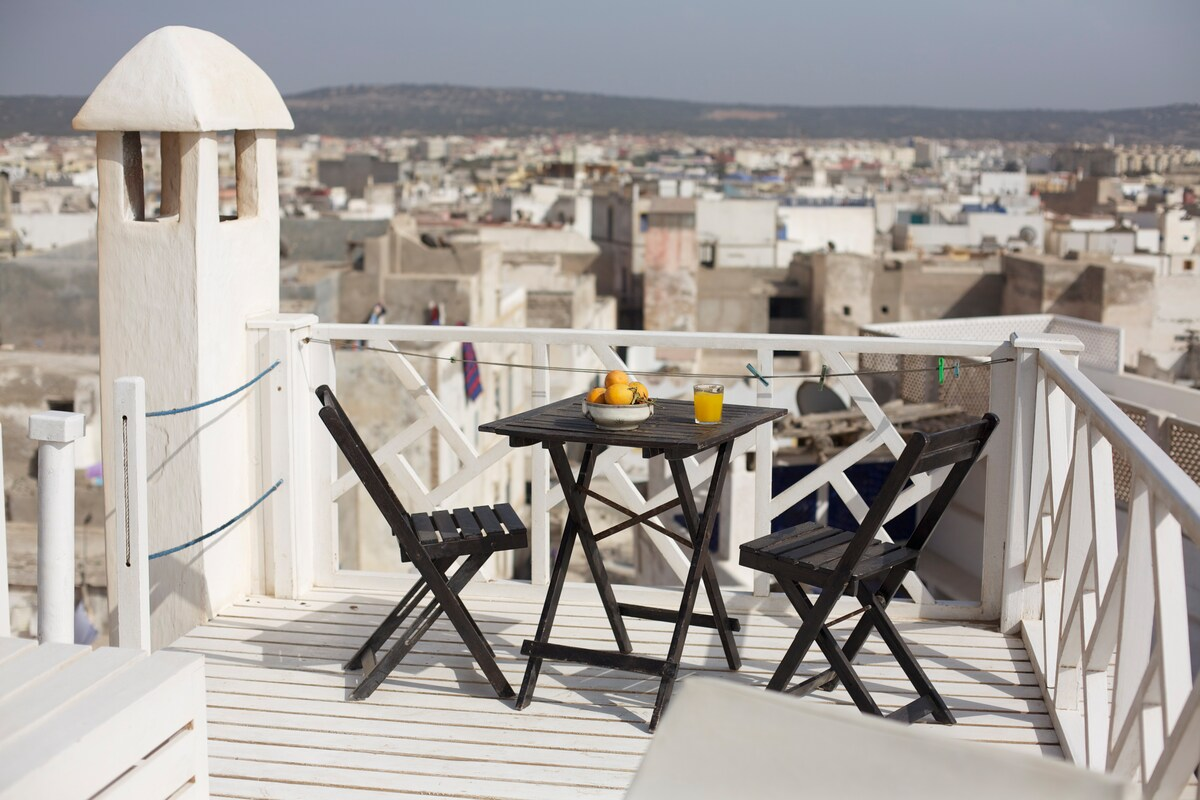 terraza superior con vista a la medina