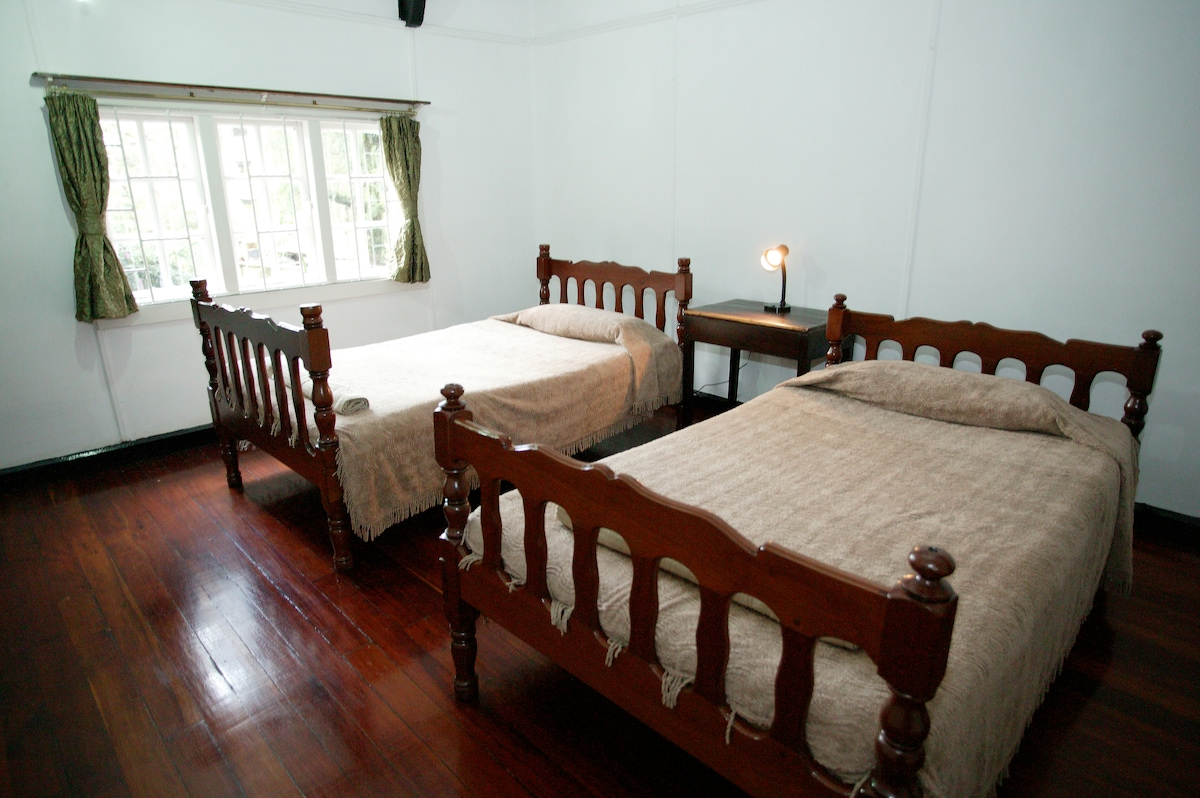 Apartment Twin Double Bed Bedroom