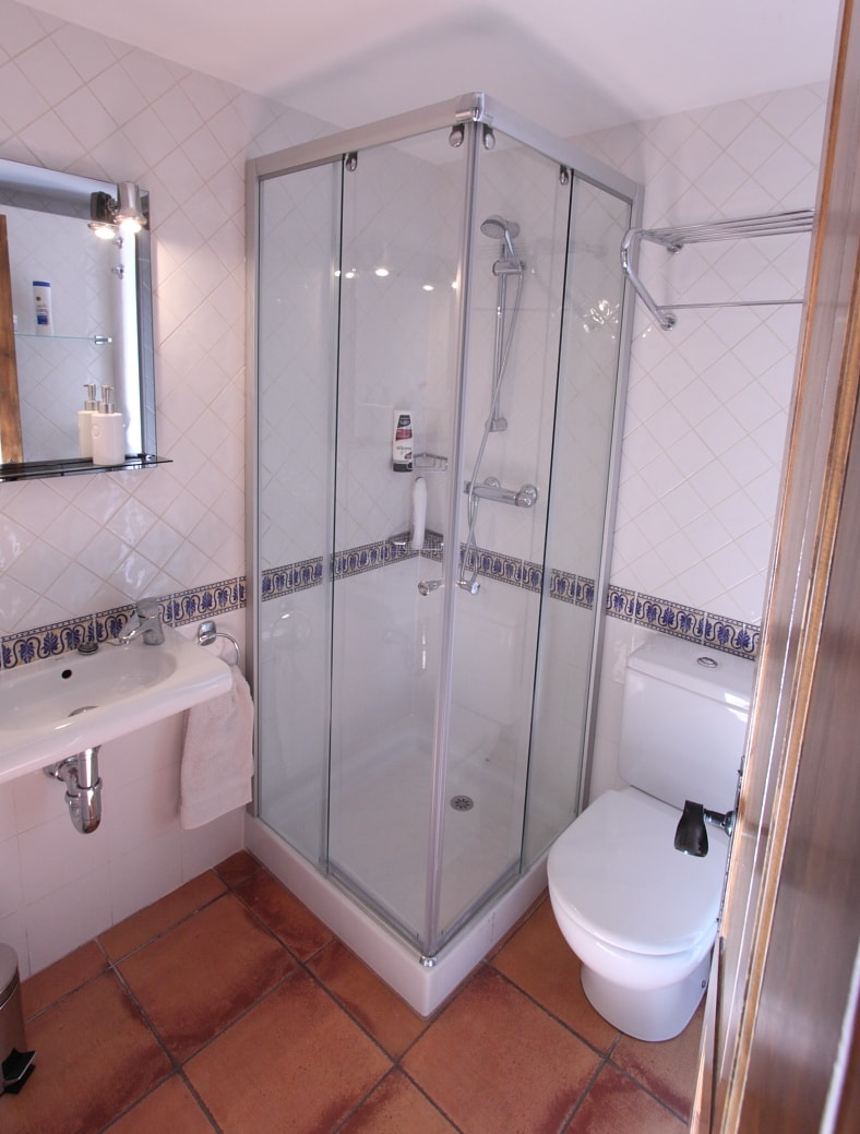 Shower Room with private option