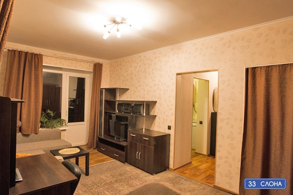 Modern fully furnished 1-bedroom