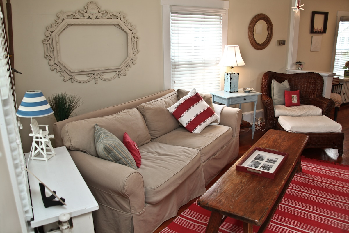 Room for 2 in Charming Spring Lake