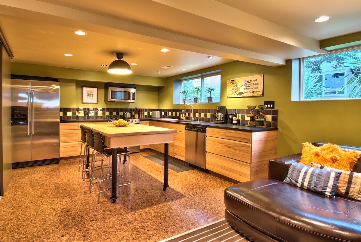 green suite seattle - dog friendly