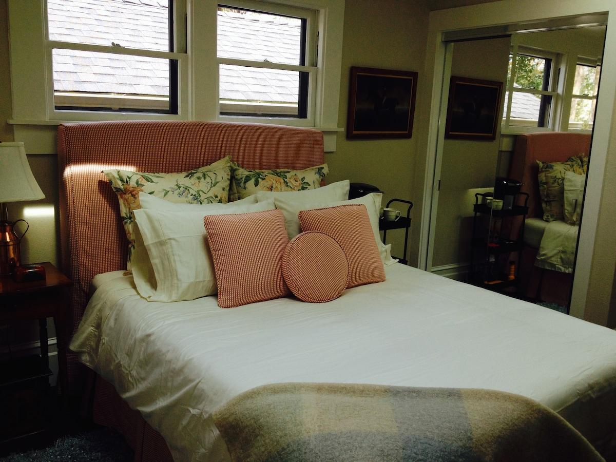 Better shot of Master Bedroom