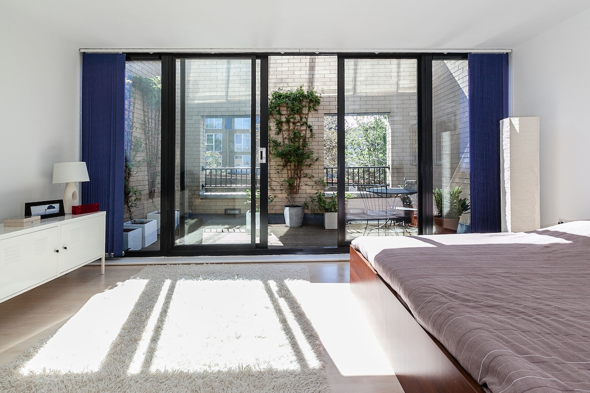 Master bedroom (not for rent) with access to terrace.