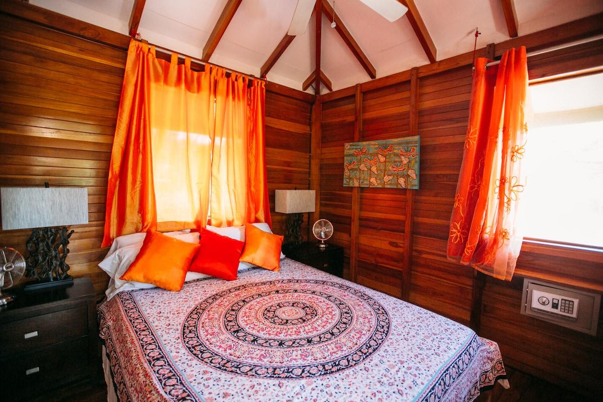 """""""Treehouse"""" sleeping room"""