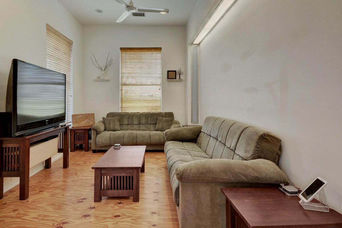 1BR/1.5BA Modern Design Home