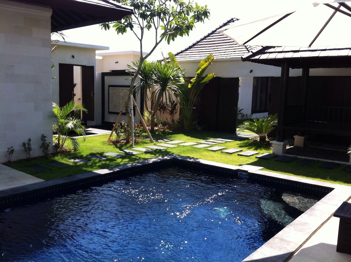 SEMINYAK 2 bedrooms Exclusive Villa