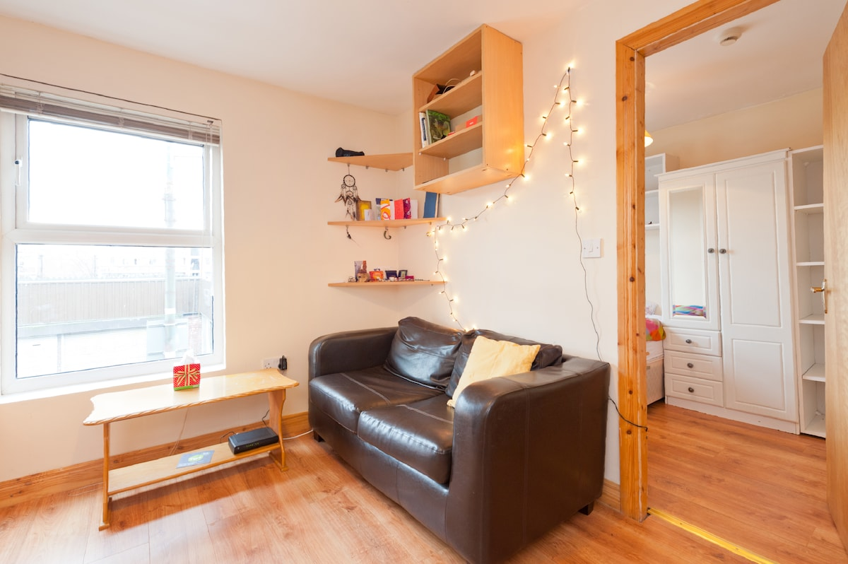 Sunny budget flat & all you need