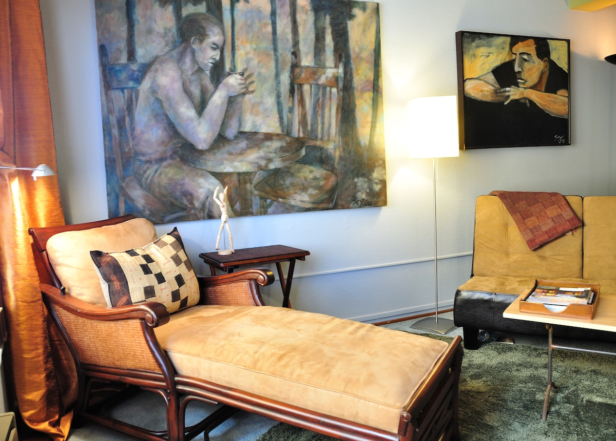 ArtHaven is filled with original art and prints by Richard Seeger and comfortable modern furnishings.
