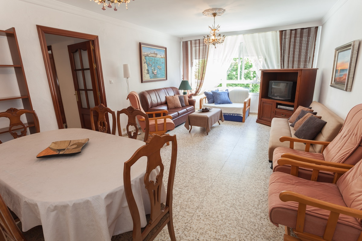 Living room with sea view, TV, DVD Player, SAT TV, DVB-T / TDT and more