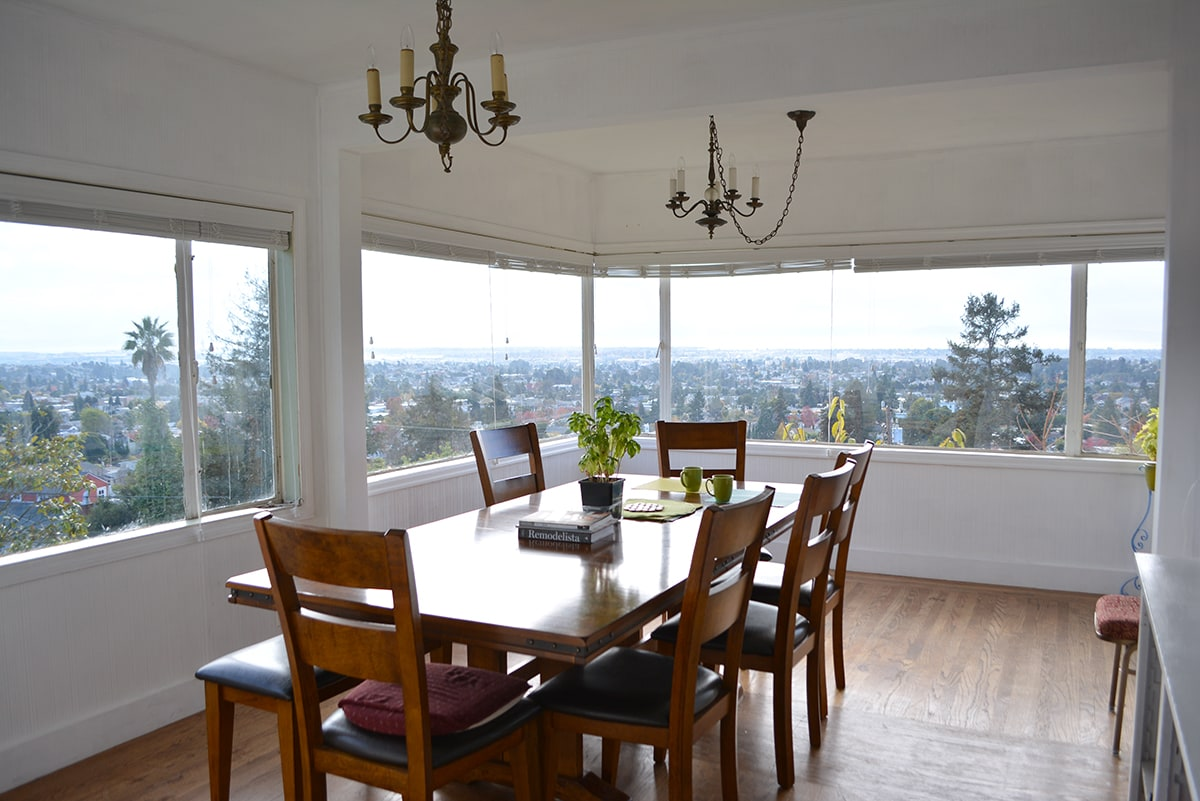 Dining room with 270 degree view! Seats 8