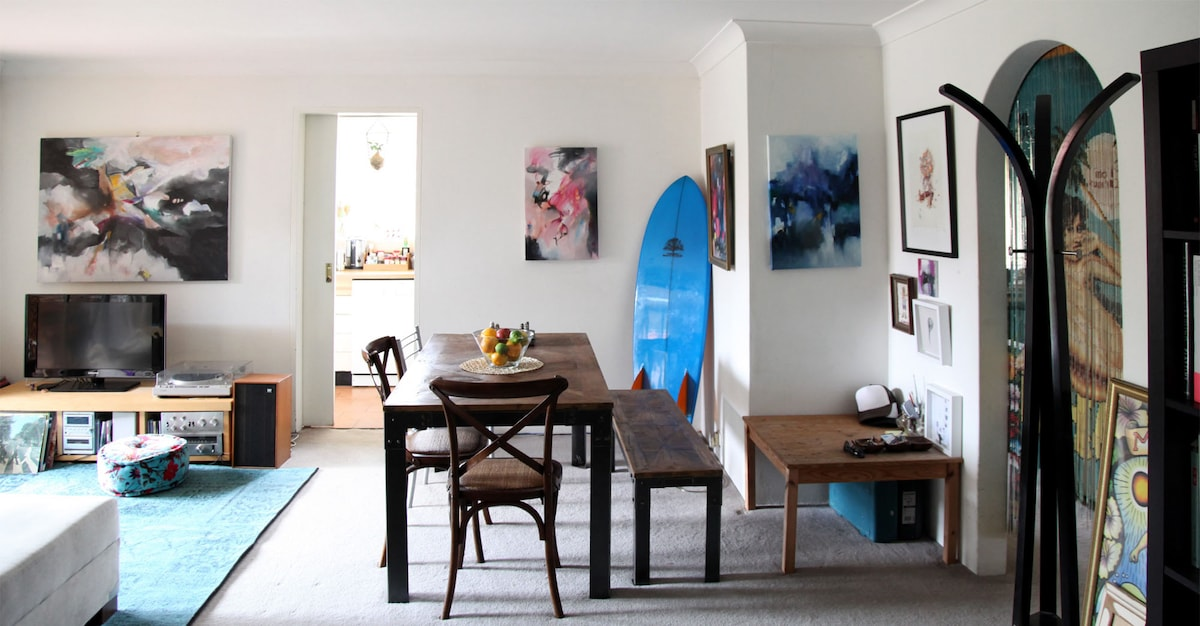 Manly Beach Pad With Creative Vibe