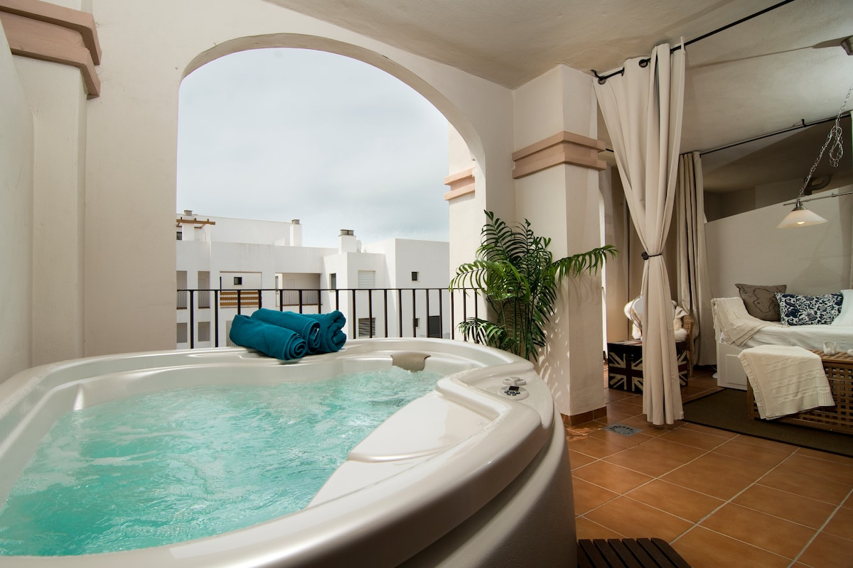 Enjoy your evenings in the Jacuzzi on the terrace