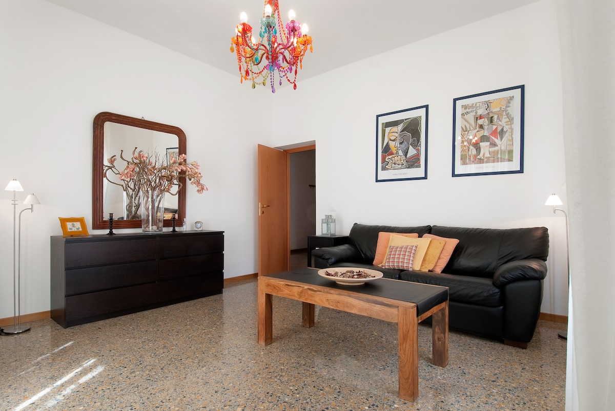 stylish & nice  apartment int. 5