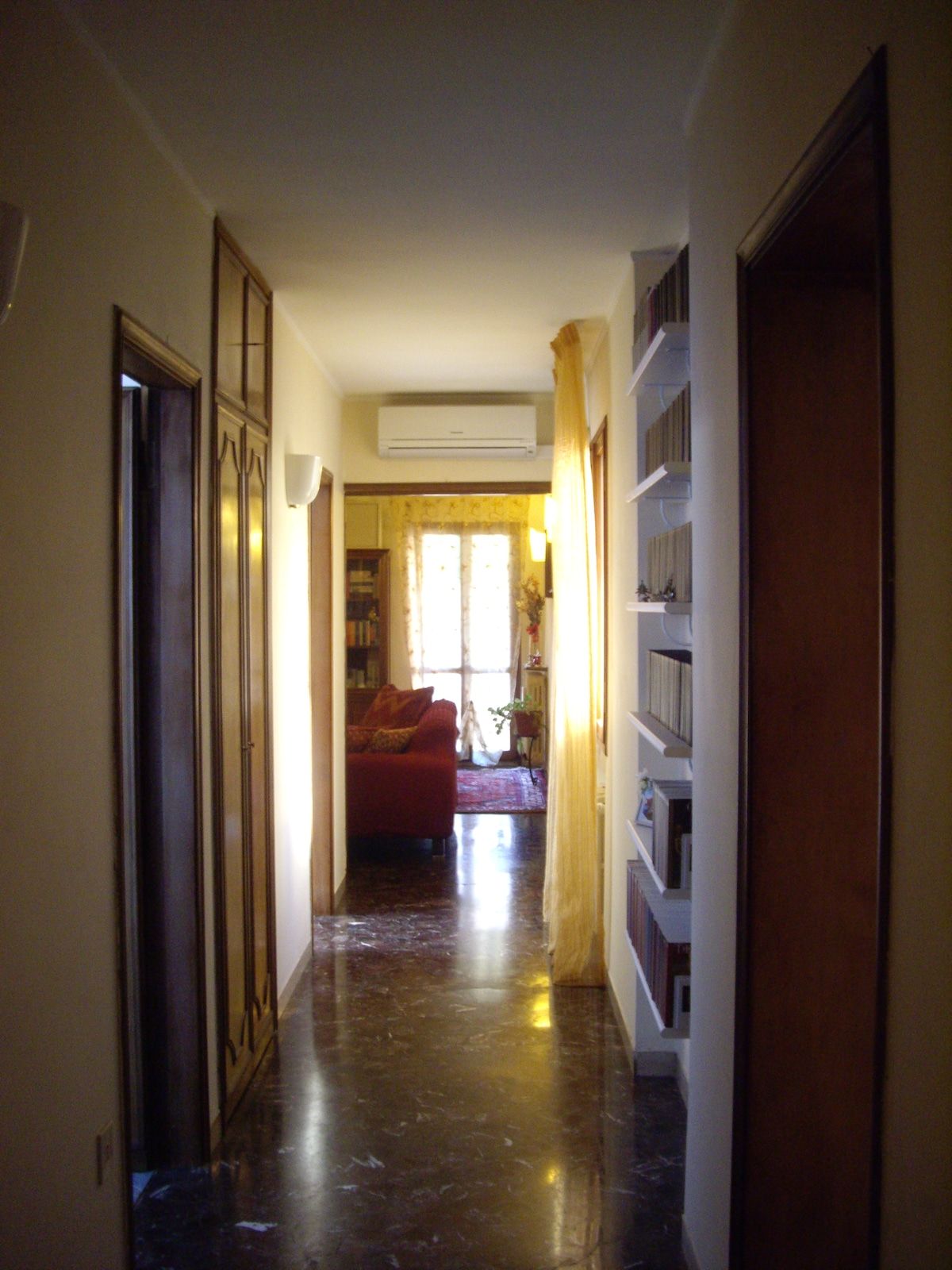 the long corridor to the living room