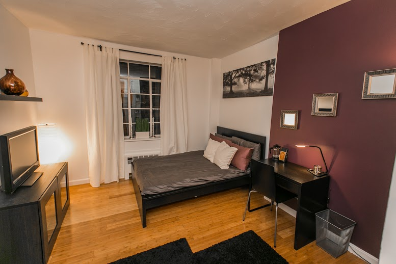 Small Studio by Theater District