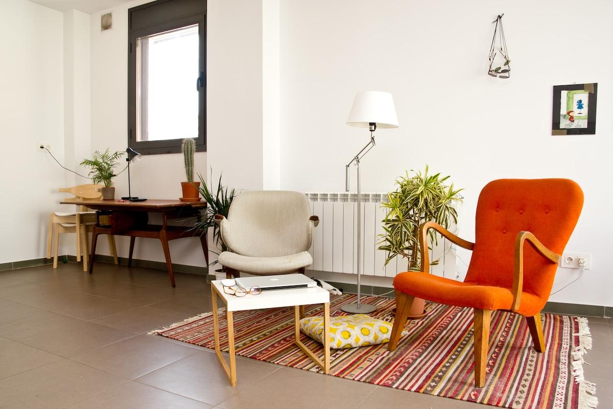 lightful apartment in poblenou'
