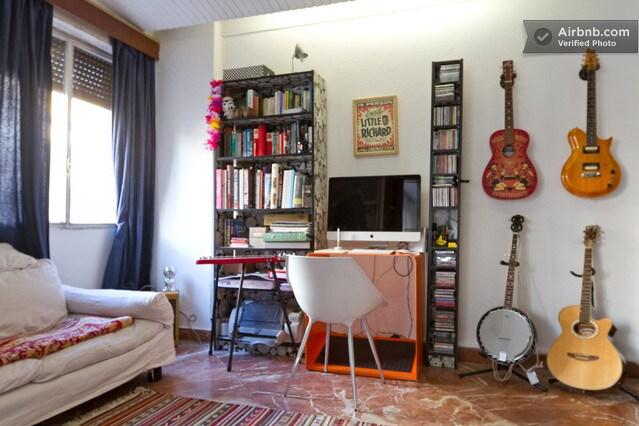 Casa junto al río Guadalquivir