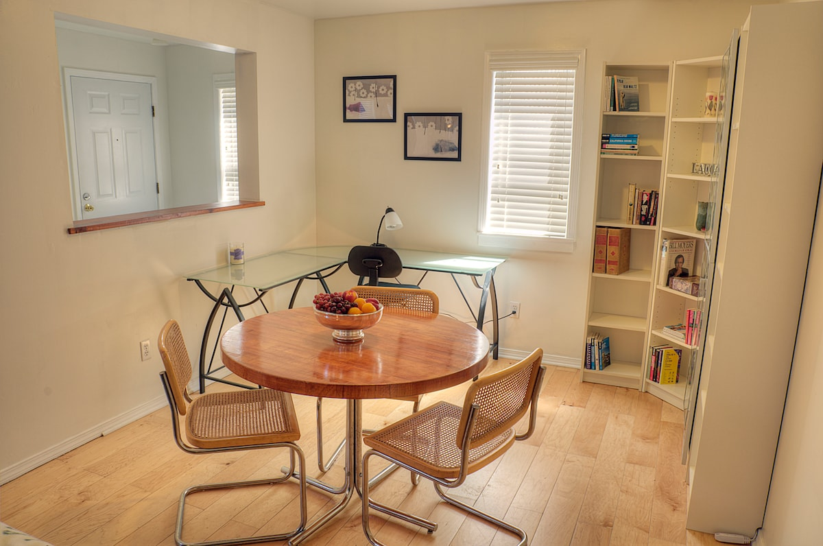 Airy, Furnished North Oakland Flat