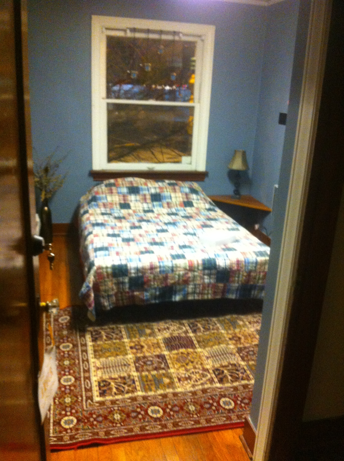 Single Room, Double Bed - Chinatown
