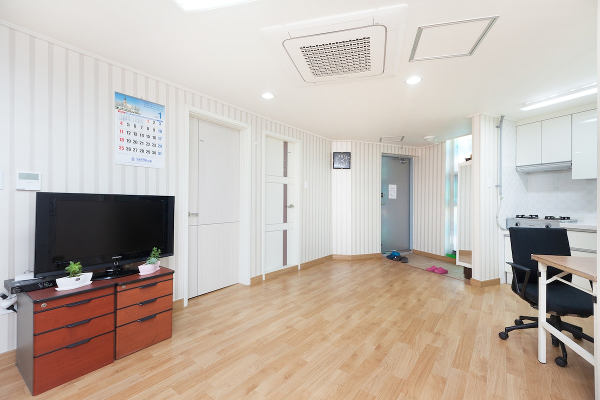 Hong dae guest house(Mr.Hong's GH)
