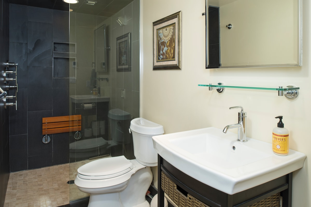 Your private luxury bathroom