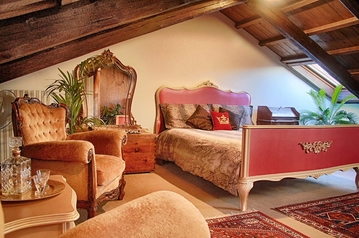 Royal Loft in the Heart of Venice. Just 1 min from San Marco Square!