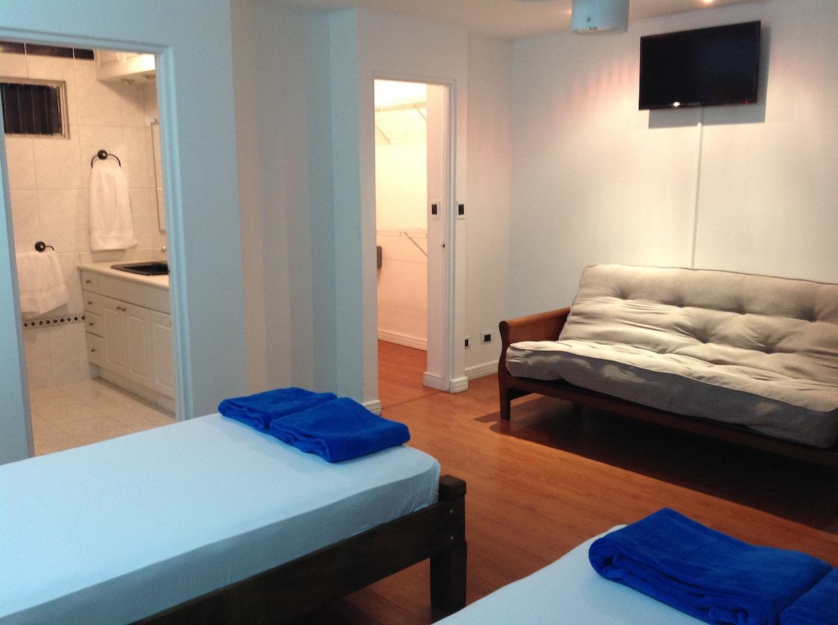 Clean spacious room with twin beds