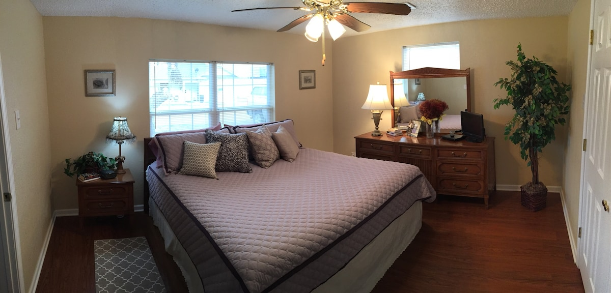 2BR Home w/WIFI, 2 Miles to Baylor
