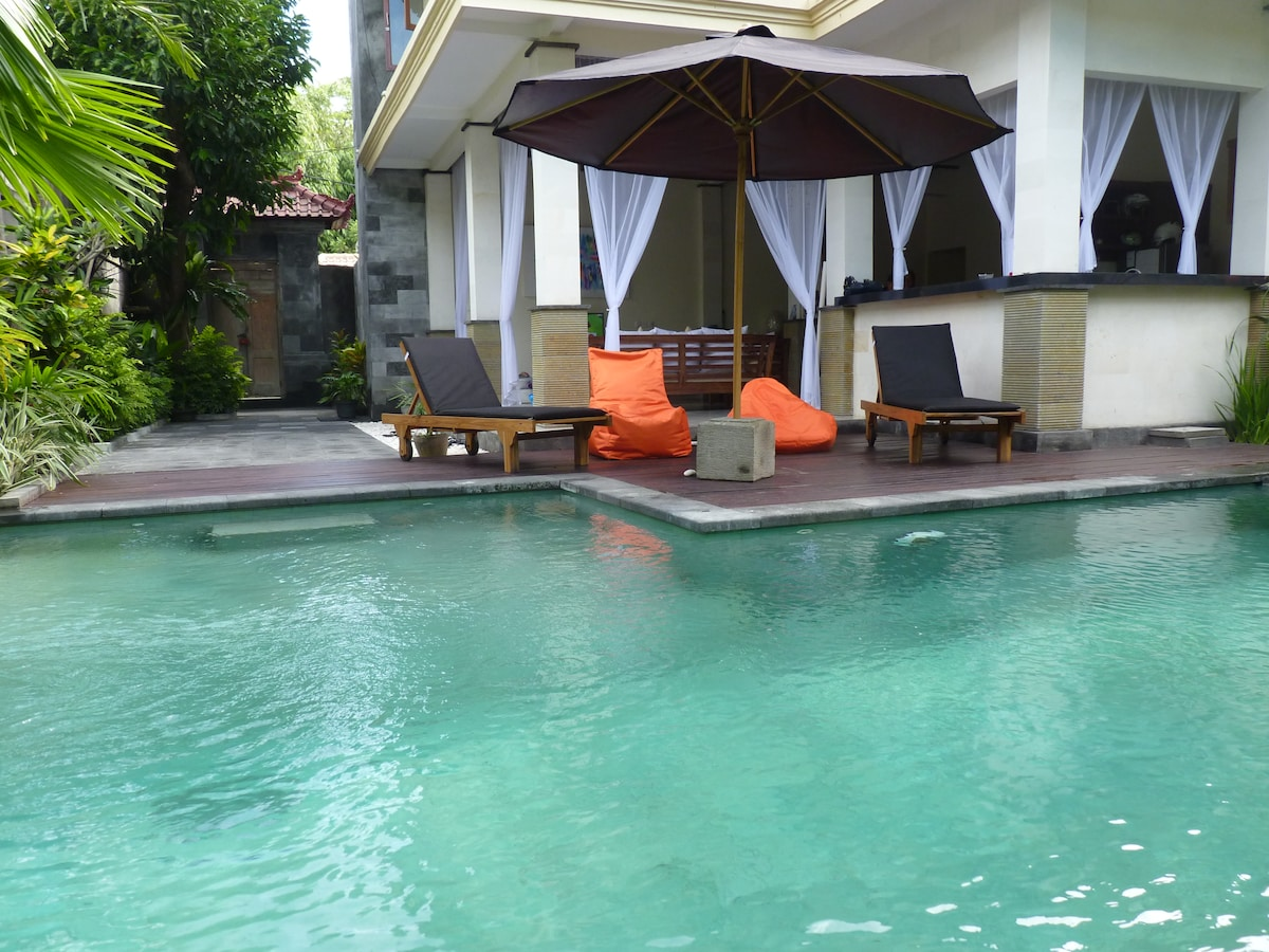 4 BR  seminyak center close beach