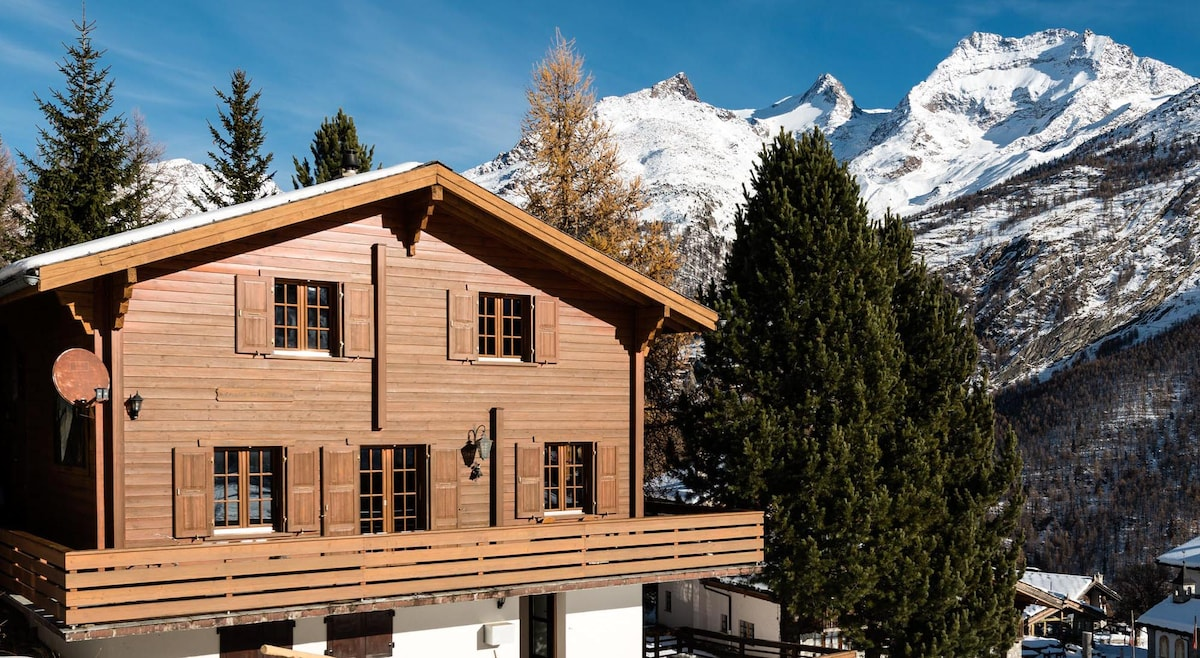 4 Star Wooden Chalet Saas-Fee