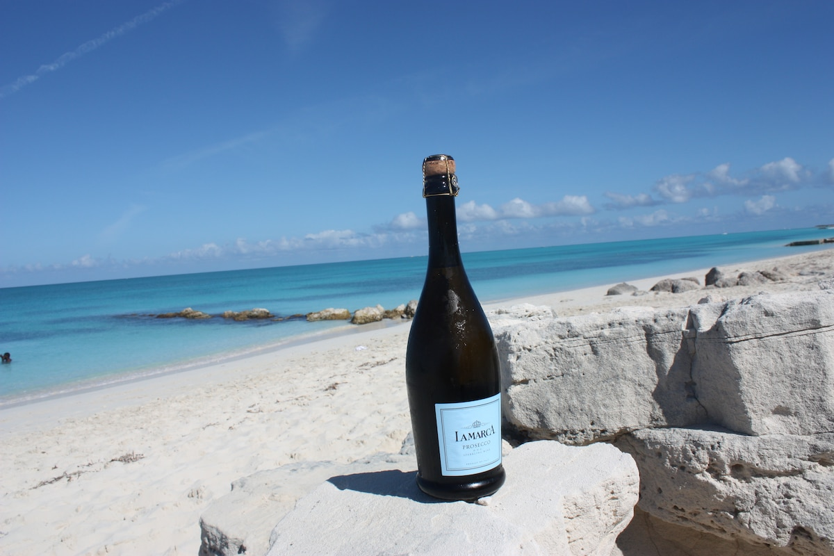 Your Private Piece of Grace Bay Awaits...3 minutes from your door