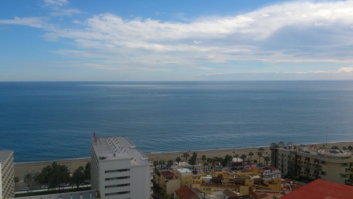 Torremolinos Beachfront with Pool