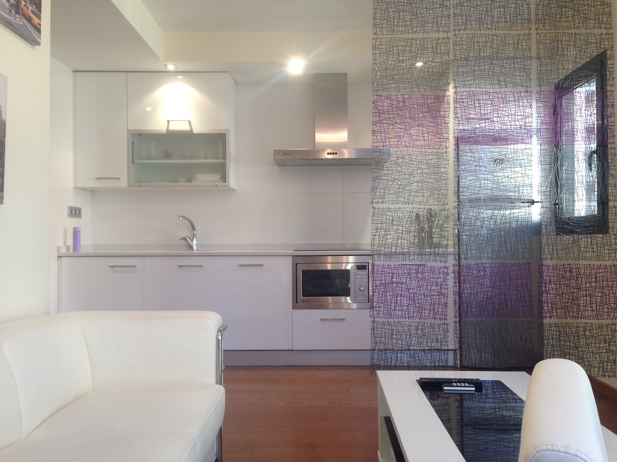 Design flat 5 min from Pilar Square