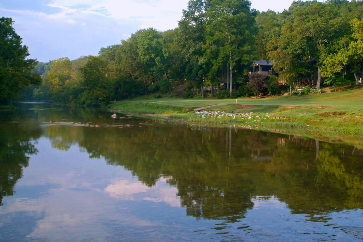 Golf Course Riverfront Retreat WOW!