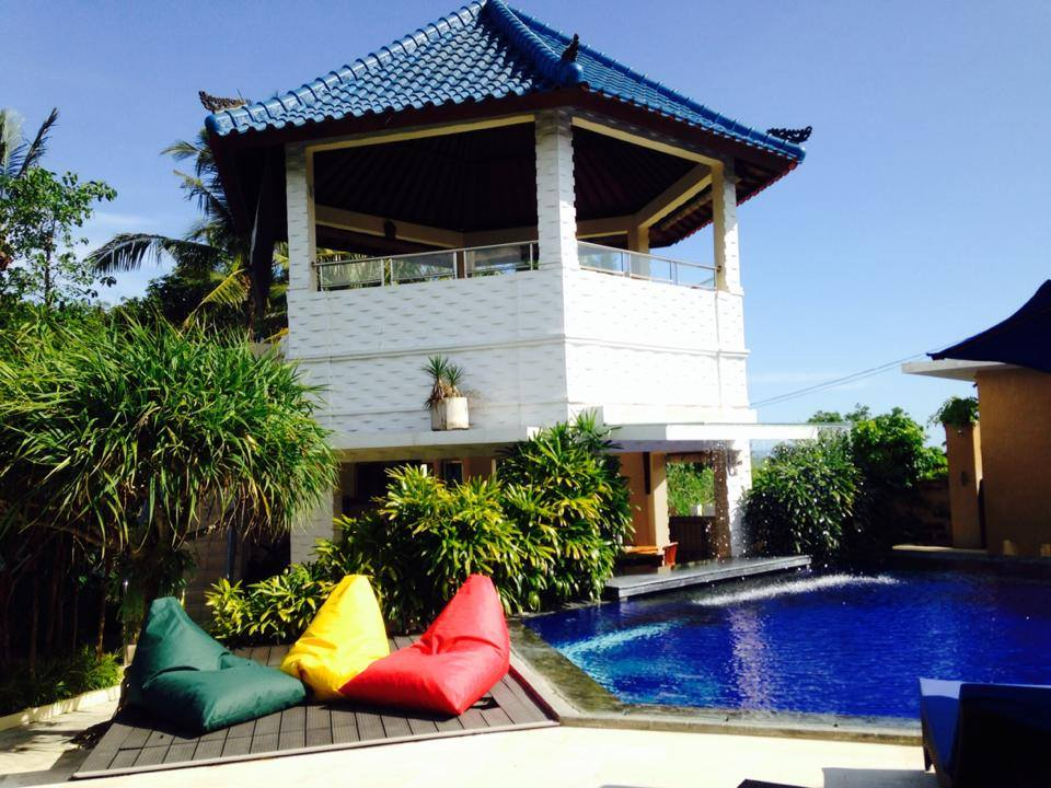Pool shared and lounge at Villa Bungalows