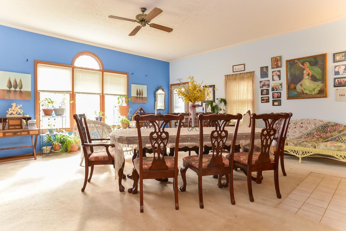Cozy Home & Culinary Center